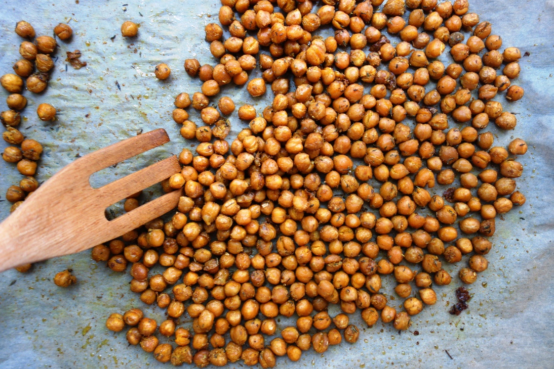 Roasted chickpeas on baking tray