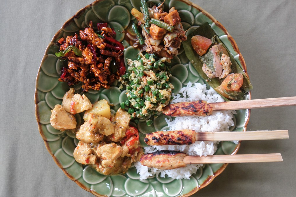 Full plate Balinese cooking class